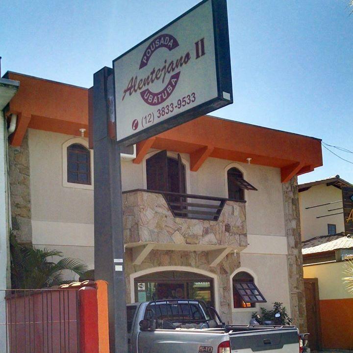 O sol voltou a brilhar em Ubatuba. Se você só vai descer na sexta ainda tem vaga na Pousada Alentejano II. Promoção Corpus Christi 2 dias: Casal: R$36000 Triplo: R$480 00 Quádruplo: R$64000 . Há poucos metros da Charmosa Rua Guarani. Faça já sua reserva!!! 12-38339533 . #pousada #restaurante #bar #praia #compras #hotel #sustentável #sustentabilidade #conforto #beach #emubatuba #ubatuba #natuteza #lazer #surf #wsl #visual #mar #temporada #verão #esporte #surfing #food #gastronomia #istafood…