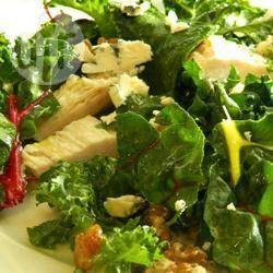 Salade de poulet, feta, chou kale et bette à carde