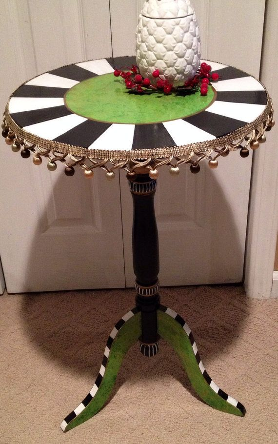 Hand Painted Round Pedestal Accent Side Table von paintingbymichele