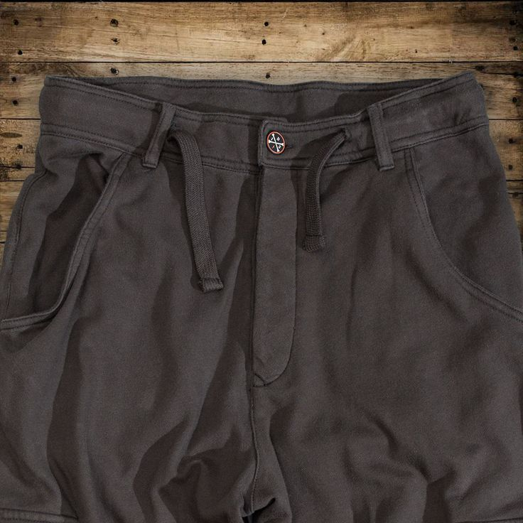 "DYSTROY Jog Pants ""Lightning"" Size M-3XL https://www.dystroy.com/Pants/Jog-Pants-LIGHTNING.html"