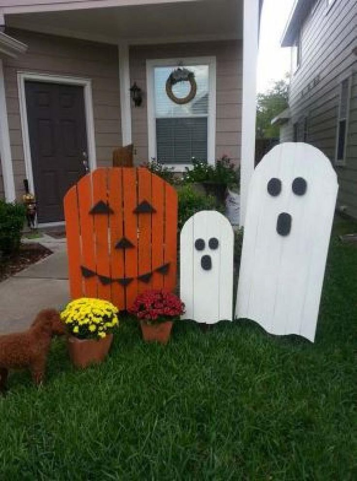 Best 25 halloween decorating ideas ideas on pinterest for Outdoor decorating hacks