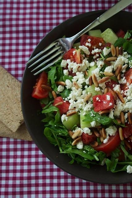 rucola salat mit wassermelone feta und minze eat pinterest food salad and delicious food. Black Bedroom Furniture Sets. Home Design Ideas