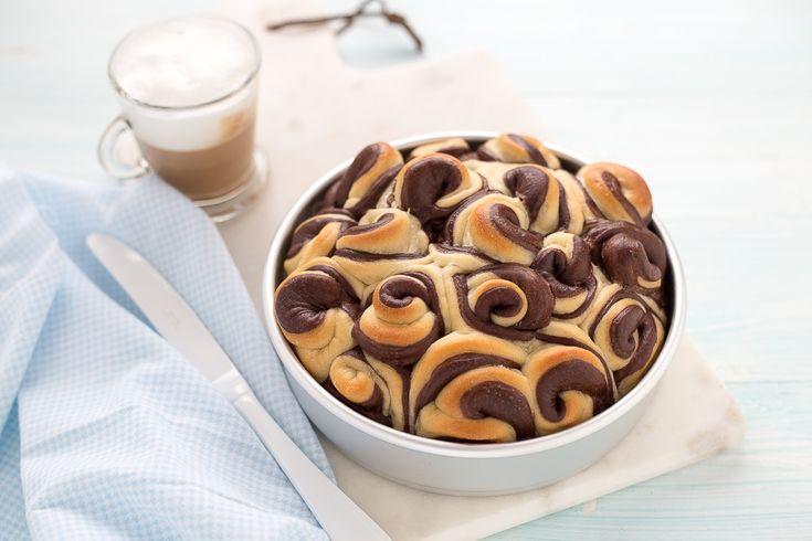 Ricetta torta di rose bicolore. Pan brioche con olio.