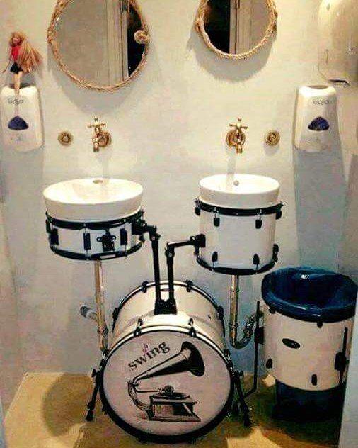 Have you prepared the morning on next day with a smile on sticks ...  ??  --- Aj vy ste sa ráno pripravili na ďaľší deň s úsmevom v paličkách ... ??   #DC_Fun #DrummersCity #GoodMorning #Drums #Bicie #drumming #drumporn #drumlife  #drumstagram #bratislava #slovakia #sickdrummer #drumhouse #drummingco #drumsandlessons #beatkeepers  #drummers_corner #drumsoutlet #cymbaladdict #drummersdaily #iamadrumwarrior  #theworldofdrums #worshipdrummer #drummerdotcom #drumhouse #mydrumkit #drumfam by…