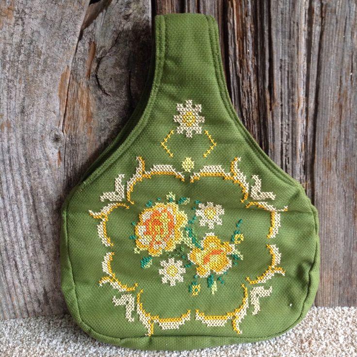 Vintage Cross Stitch Hobo Bag  vintage/purse/hobo bag/cross stitch by ThisCharmingBag on Etsy https://www.etsy.com/ca/listing/527066346/vintage-cross-stitch-hobo-bag