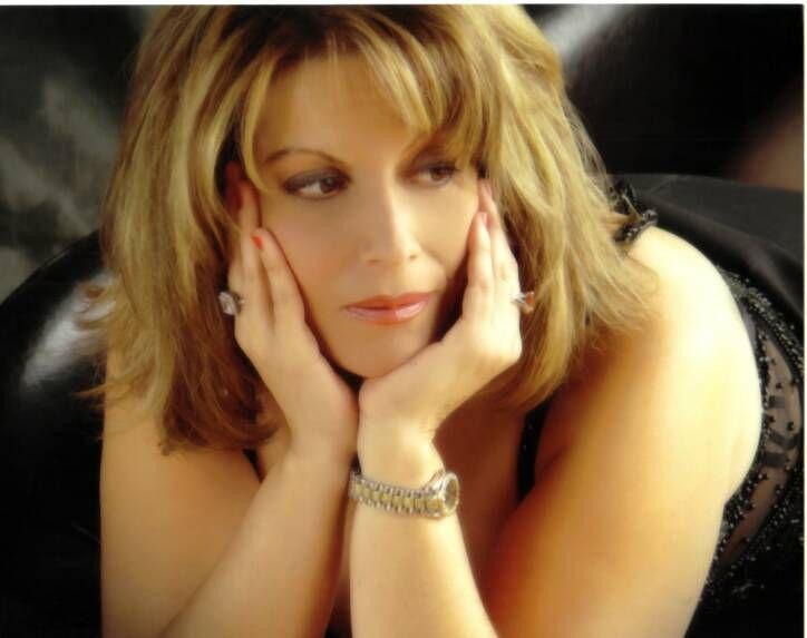 TP LIVE ENTERTAINMENT TALENT PROFILES: Blues, Jazz, Latin Singer Extraordinaire Fluent It...