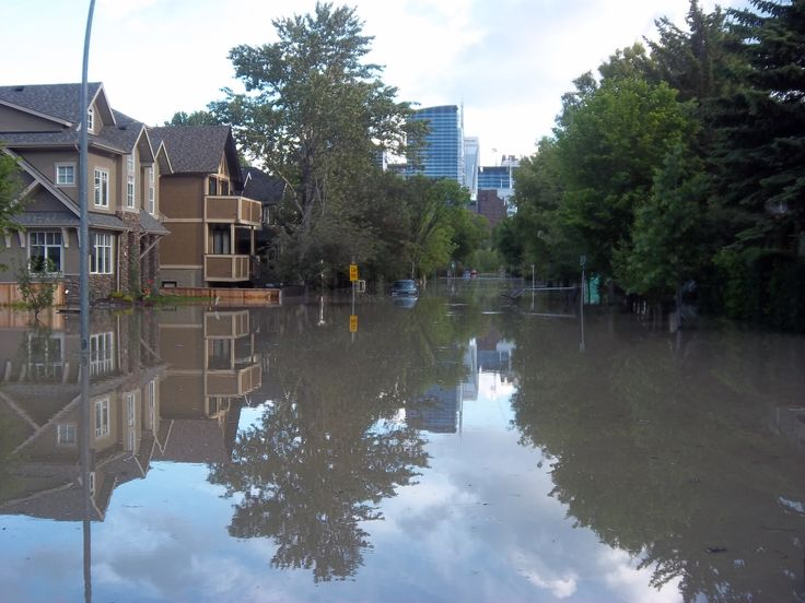 Calgary 2013 flooding affects residential areas.