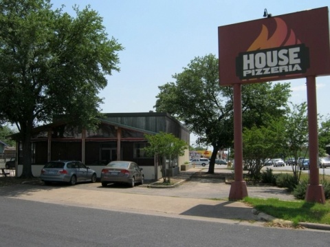 Local secret for great pizza-- House Pizza