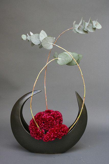 Ikebana- freestyle Japanese flower arrangement. #Florals #Floral Design #Flower Arrangements #Ikebana
