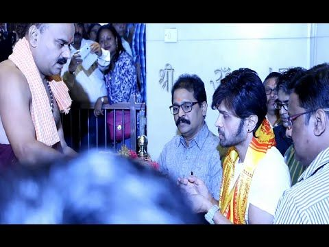 Himesh Reshammiya visits Siddhivinayak Temple for TERAA SURROOR movie.