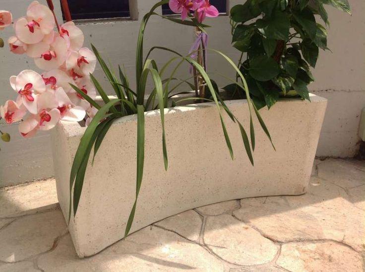 Vasi e fioriere da esterno - Fioriera bassa in cemento