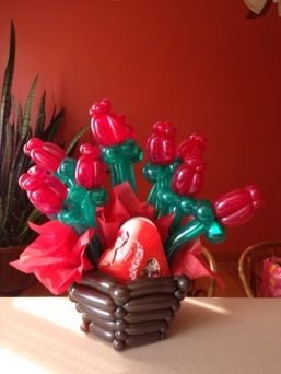 What a Valentine with this beautiful rose made it with balloon ;)