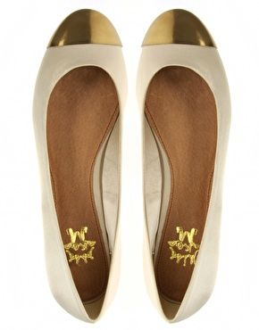 gold dipped toes: Fashion Shoes, Ballerinas Flats, Gold Accent, Ballet Flats, Girls Fashion, Girls Shoes, White Gold, Ballerina Flats, Gold When