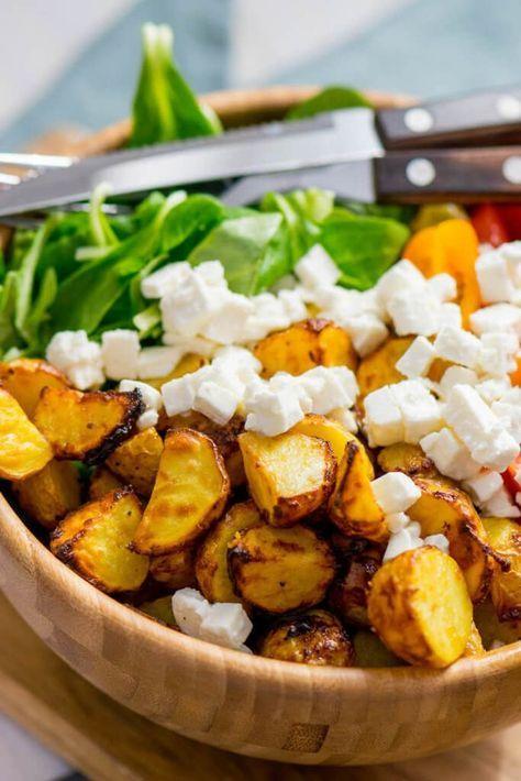 Honig Senf Röstkartoffel Salat mit Feta und Tomaten