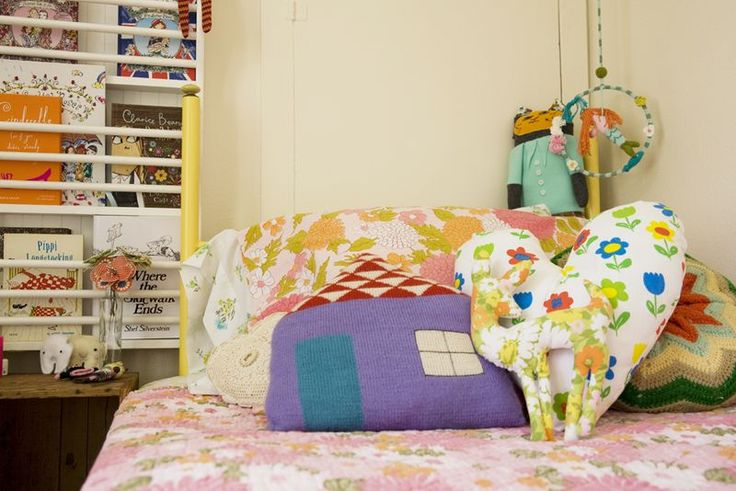 I love the combination of prints and shapes. #bedroom