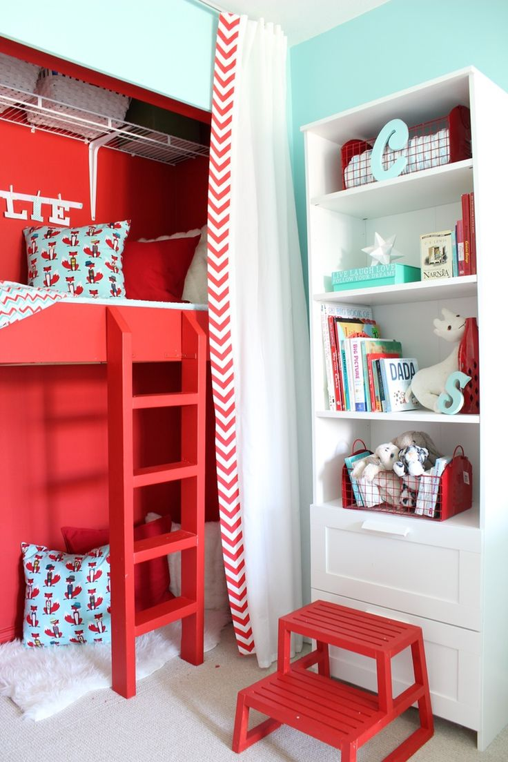 A Diy Shared Bedroom Space For Two Kiddos Complete With Closet Play Loft Pretty Room Bunk