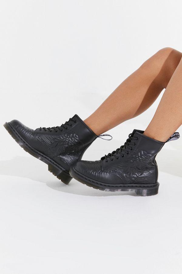 Dr. Martens 1460 Unknown Pleasures Boot