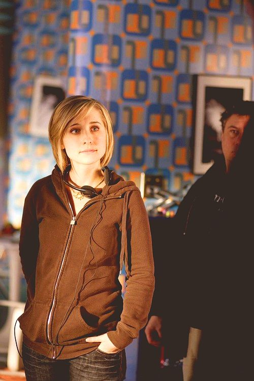 Allison Mack - [8x13 Power]