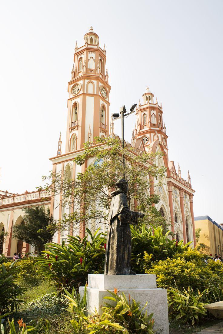 Barranquilla, Colombia. Colección fotográfica de la Unidad Especializada en Ortopedia y Traumatologia www.unidadortopedia.com PBX: +571-6923370, Móvil: +57-3175905407, Bogotá, Colombia.