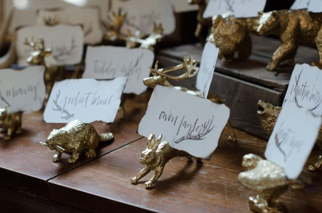 hand lettered and illustrated place cards by jilly ink photography by karissa kreager