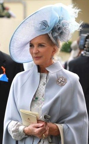 royaltyandpomp:  THE HEADDRESS H.R.H. Princess Michael of Kent, née  Baroness Marie Christine von Reibnitz