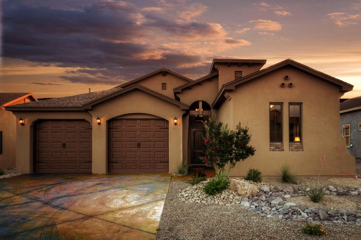 Gl green associates model home at 3945 agua de vida in for Las cruces home builders