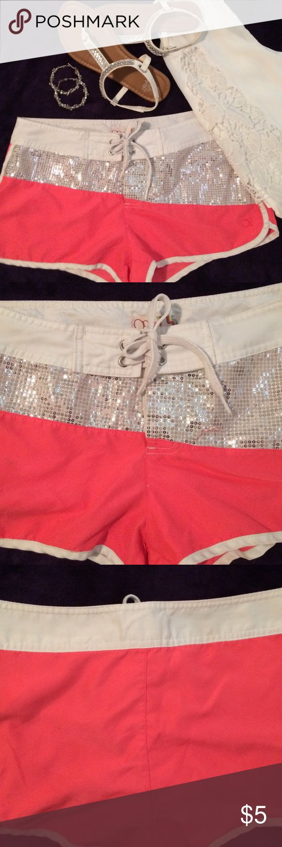 🌺Op sparkle shorts🌺 ✨Wear sparkle shorts over swim suit bottoms or just wear them on a hot summer day! Super cute!✨ size small- fits a 3 to 5. Shorts Bermudas