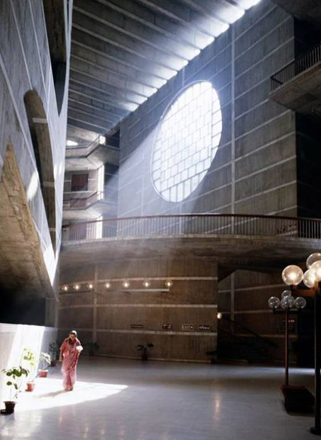 Louis Isadore Kahn, National Assembly Building of Bangladesh(1961-82)
