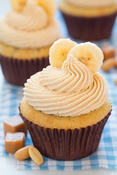 Bannana Cupcakes with peanut butter and salted caramel Frosting !!