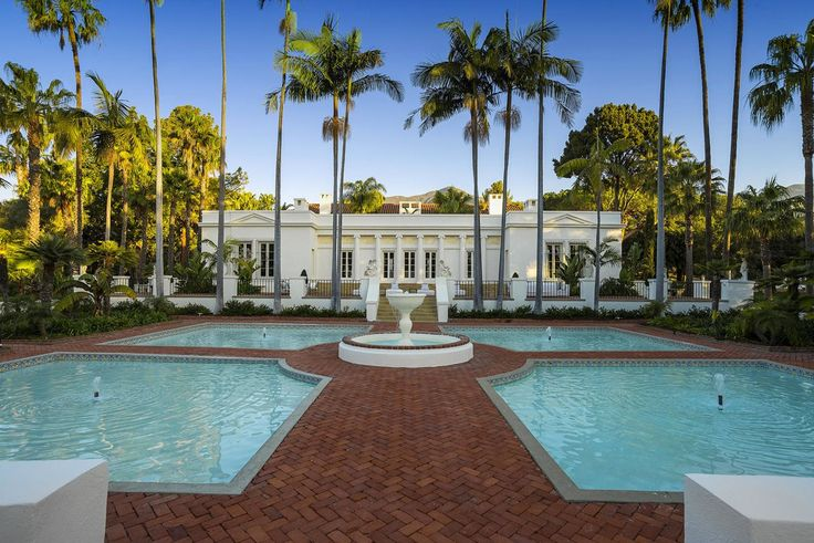 "The Mansion From The ""Scarface"" Film Is On Sale For $18 Million http://bestdesignideas.com/the-mansion-from-the-scarface-film-is-on-sale-for-18-million"