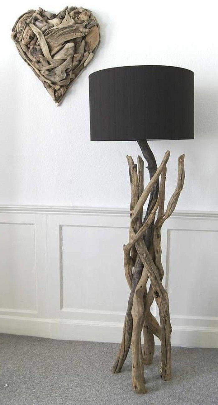 Schwarzer Lampenschirm Des Treibholzwanddekorationsherzens Mit