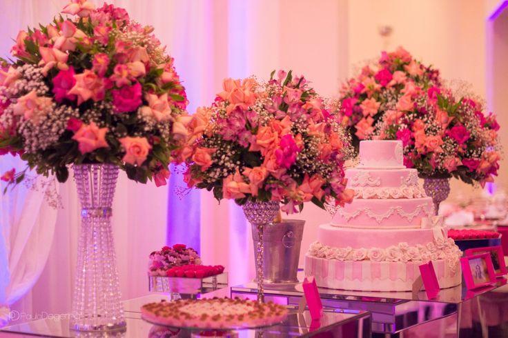 Festa de 15 Anos Debutante - Shelley - Paulo Degering - Sorocaba São Paulo. Decoração, flores, bolo