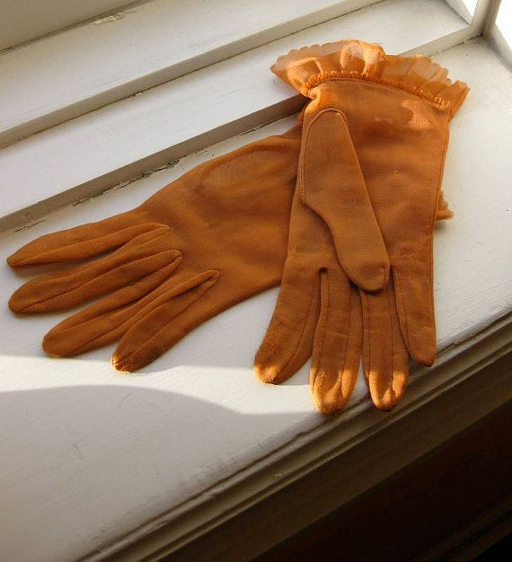 Cinnamon Color Gloves ... I have these in black :)