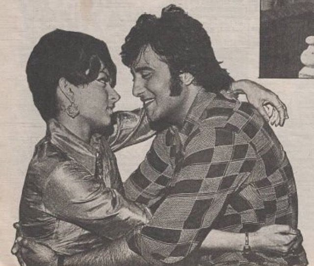"Malaika Sarabhai and Vinod Khanna on the sets of ""Hera Pheri."" She was later dropped and replaced with Sulokshana Pandit."