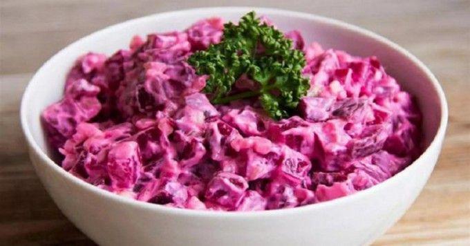 Leckerer kalorienarmer Salat, auch als Abendbrot