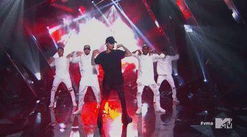 Justin volvió a los VMAs luego de 5 años y la atención estuvo puesta no sólo en él, sino también en la reacción de Selena