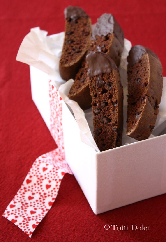 chocolate-cherry biscotti