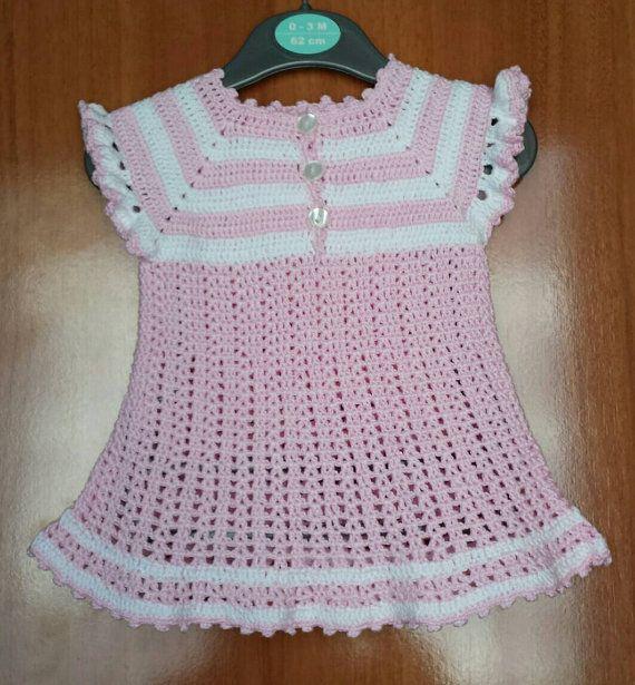 Vestido de bebé de ganchillo hecho a mano / artesanal por JulStyle