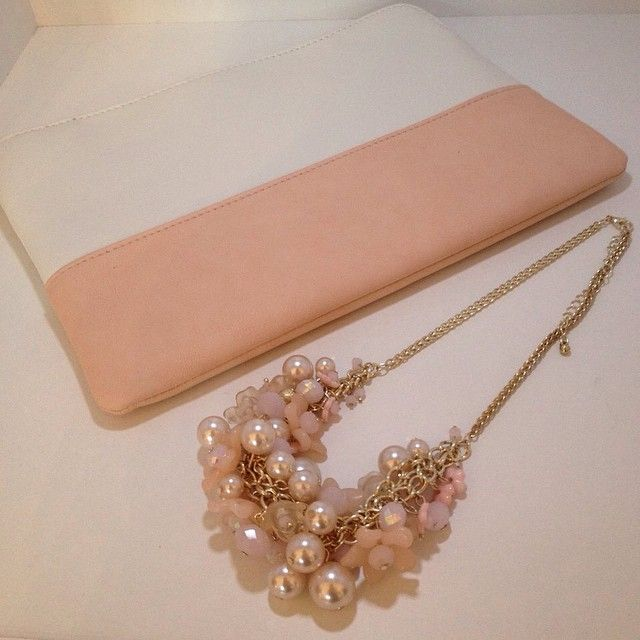 Who says minimalism and embellishment don't go together? #accesories #necklace #gold #pastel #SS15