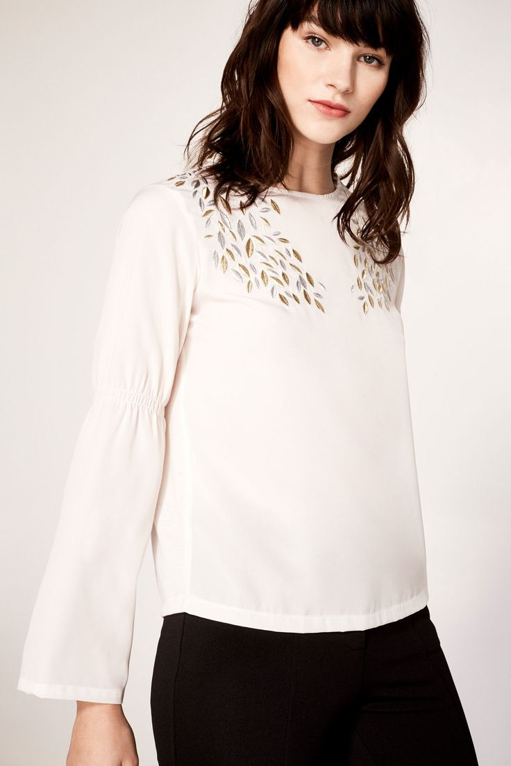 Embroidered top with leaves | Blouses | Cortefiel Man & Woman