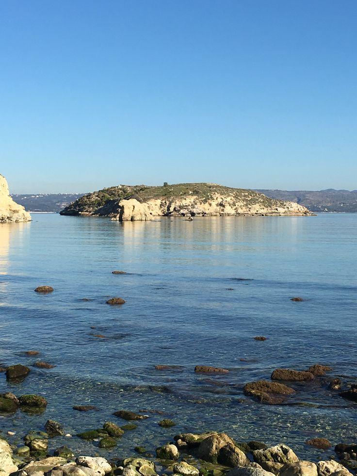 A Almyrida il y a trois plages, deux de sable fin absolument sublimes et une beaucoup plus sauvage et moins fréquenté.De la résidence ALMYRIDA SANDS on peut accéder aux trois