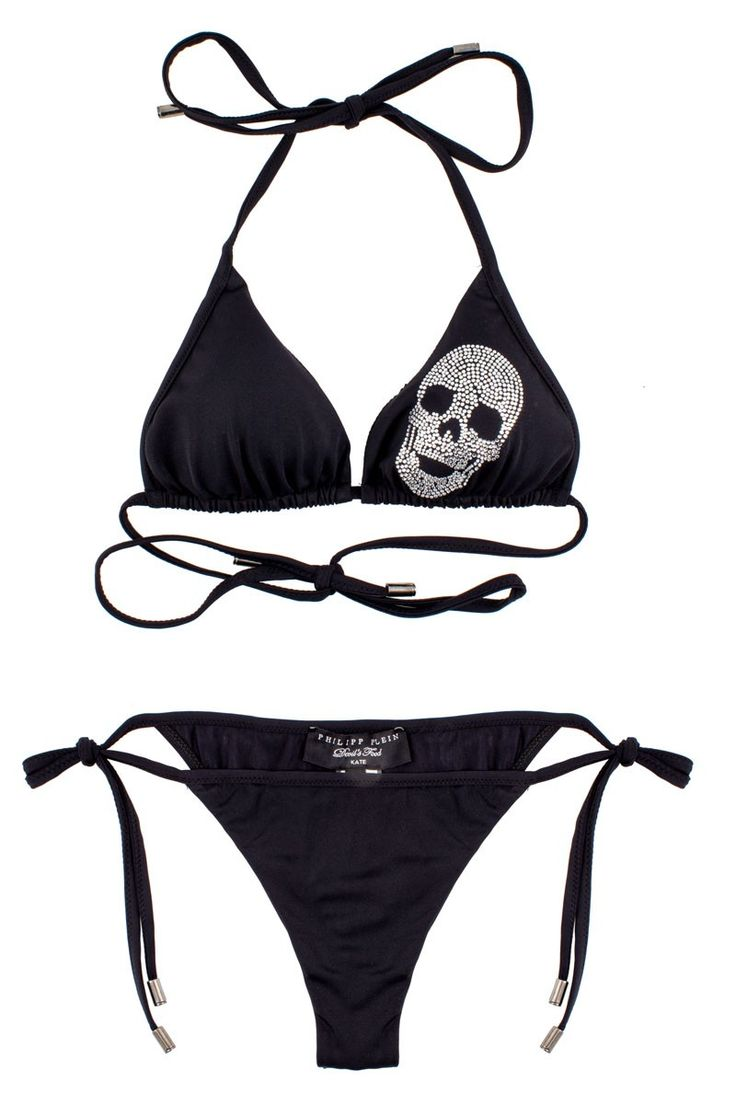 This bikini comes with a skull made of rhinestones and with a glittering PHILIPP PLEIN lettering on the back. It will for sure add glamour to your vacation wardrobe. Shop this seasons collection of Philipp Plein womenswear. Philipp Plein is pure luxury with his latest Menswear Collection embodying the designers rebel streak, and glamourous ideals making the Philipp Plein brand instantly recognisable. SS14-CW672222