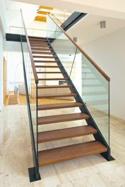 Schody wewnętrzne w domu. Schody drewniane, schody metalowe i inne. Galeria zdjęć