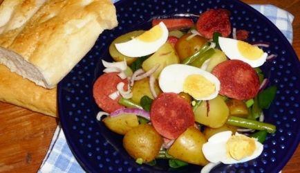Aardappelsalade Met Pittige (Turkse) Worst recept   Smulweb.nl