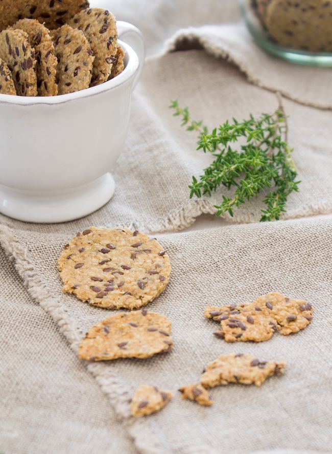 Nem acredito que é saudável!: Crackers de aveia e ervas (vegan, sem glúten) . Oat crackers (vegan, gluten free)