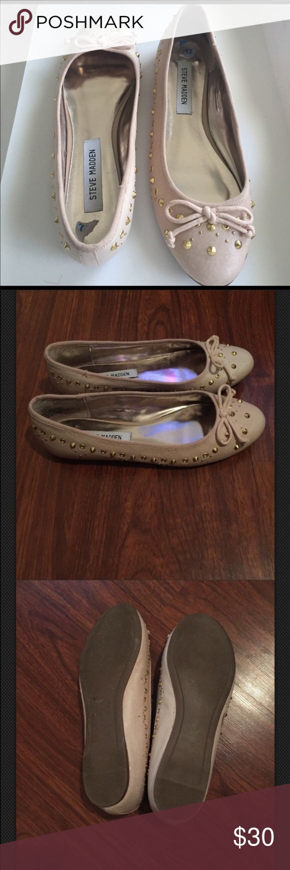 Steve Madden Blush Nude Ballet Flats SZ 7.5 NWOB Leather Ballet flats SZ 7.5 Steve Madden. Color: Nude. MINOR flaw see photos small smudge on right toe and left outer shoe. Stud and grommet accents. Bow tie in front, round toe. Beautiful. Rubber outer soles. New without box. Steve Madden Shoes Flats & Loafers
