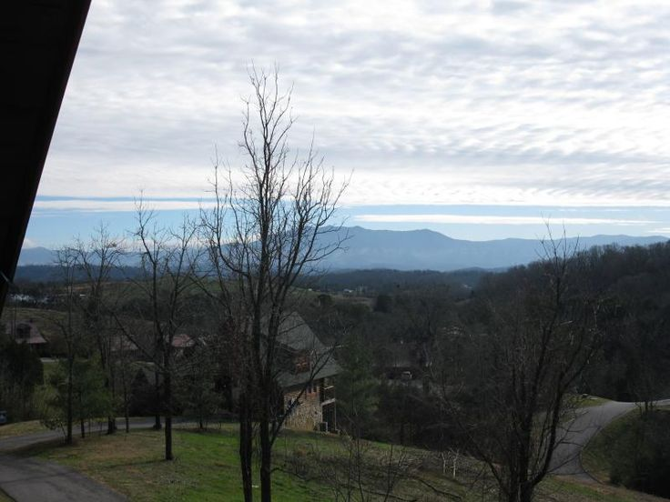 Great for Couples--Super Convenient Location!. Sevier County vacation rentals. Come and experience all Pigeon Forge, Gatlinburg and the surrounding area have to offer while enjoying our beautiful cabin, Betty Jean's Joy. Conveniently located for easy access to Veterans Par