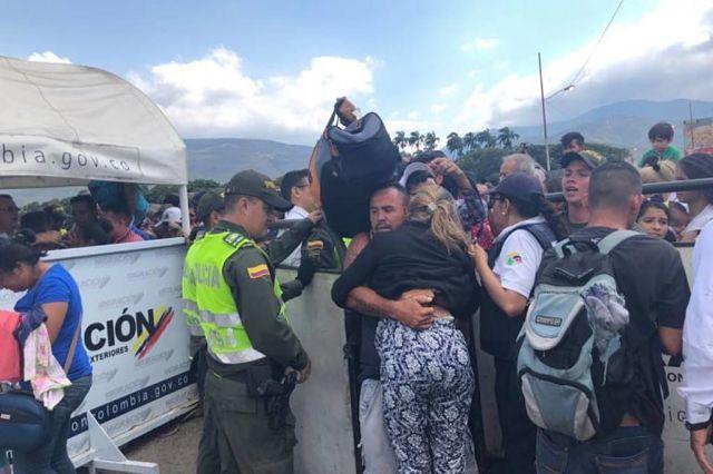700 inmigrantes venezolanos han sido devueltos de Cúcuta / Caracas.- La crisis migratoria que enfrenta Venezuela llevó a las autoridades colombianas a tomar medidas por la toma de espacios públicos, principalmente en la ciudad de Cúcuta, donde transitan miles de venezolanos que huyen de su país. Según cifras de la Secretaría de Seguridad Ciudadana de la Alcaldía de Cúcuta, desde