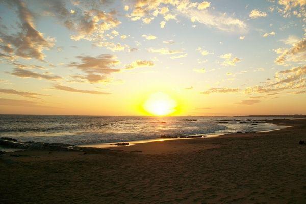 exterior, paisaje, de dia, sol, ocaso, nubes, playa, mar, relax, tranquilidad…