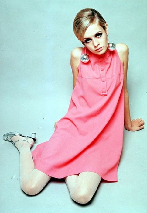 Twiggy--the way I dressed back in the day when I was young, thin and had legs to die for!